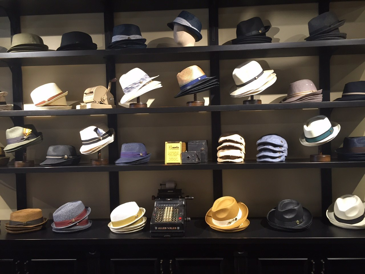 Hat Shop with a Vintage Flare on Lincoln Road - Terranova 5cac341a6d6